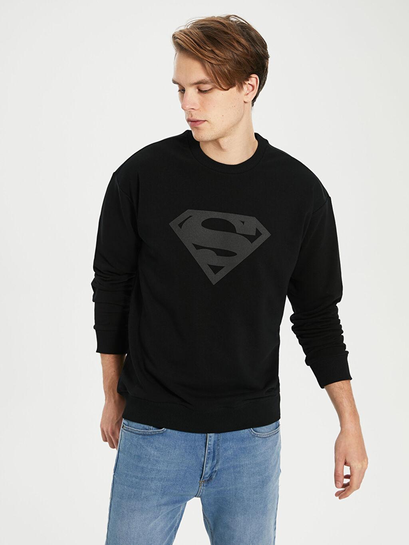 %66 Pamuk %34 Poliester  Superman Baskılı Bisiklet Yaka Sweatshirt