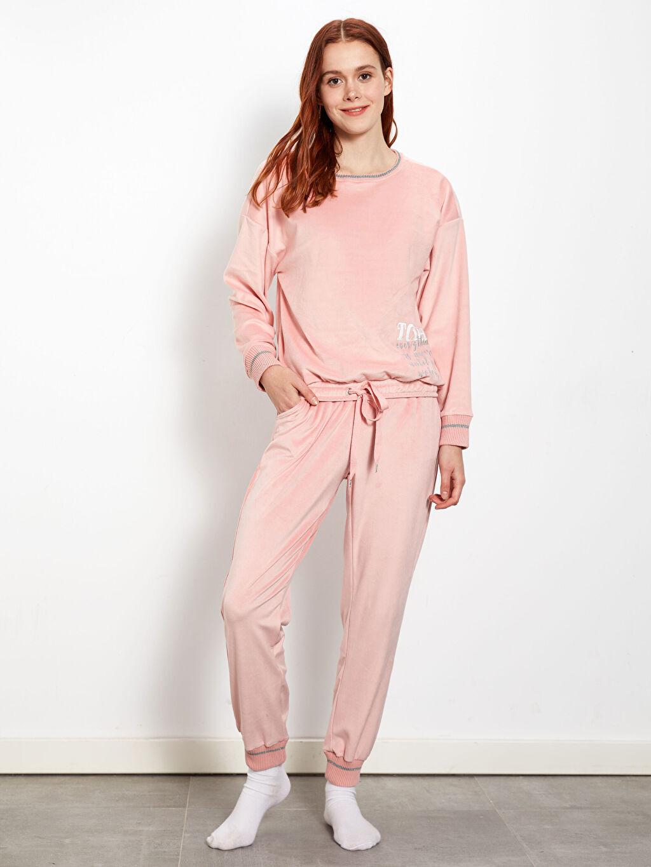 %94 Polyester %6 Elastan Standart Pijamalar Yazı Baskılı Kadife Pijama Takımı