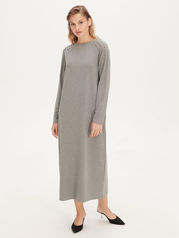 %52 Polyester %42 Viskoz %6 Elastan Diz Altı Uzun Kol Kolları Aplike Baskılı Salaş Viskon Elbise
