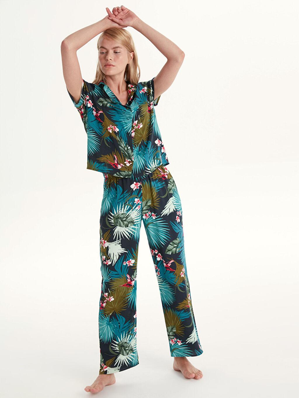 Lacivert Desenli Viskon Pijama Takımı 9W9068Z8 LC Waikiki