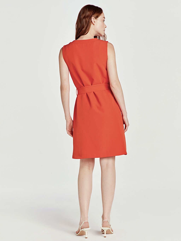 Kadın Kuşaklı Düz Kolsuz Elbise
