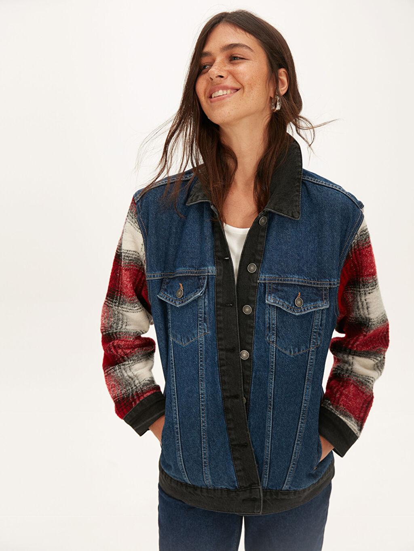 Kadın Kolları Ekose Detaylı Jean Ceket