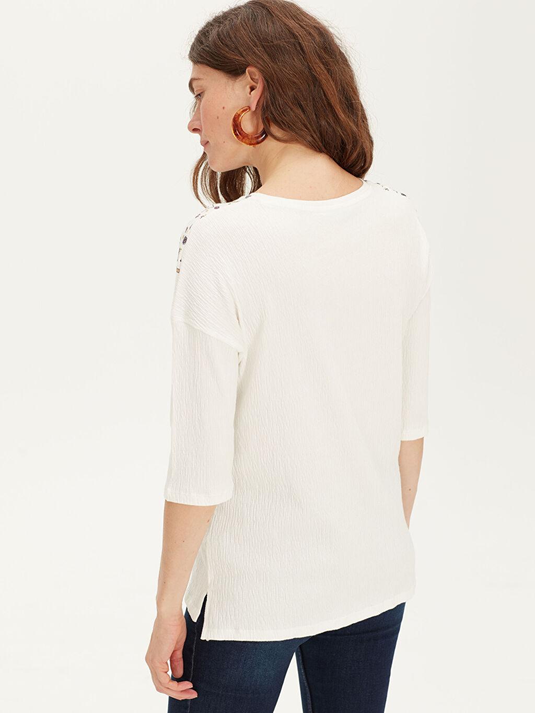 %96 Pamuk %3 Polyester %1 Elastan Nakış İşlemeli Pamuklu Tişört