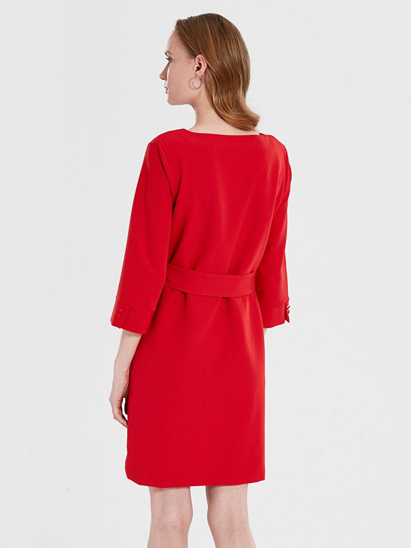 %90 Polyester %10 Elastan Kemerli V Yaka Elbise
