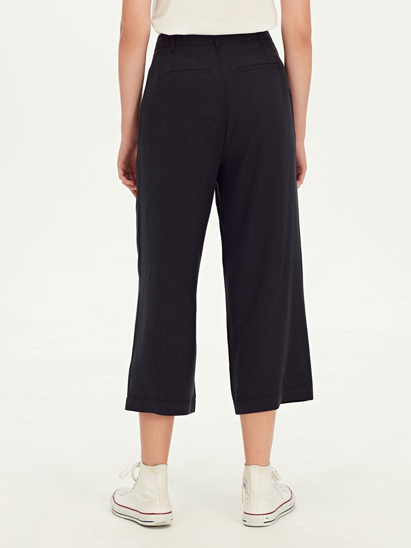 Kadın Kısa Paça Yüksek Bel Pantolon
