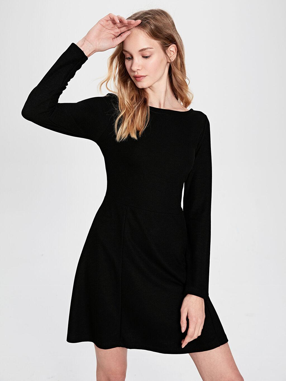 %35 Polyester %65 Viskon Diz Üstü Uzun Kol Sırt Detaylı Mini Kloş Elbise