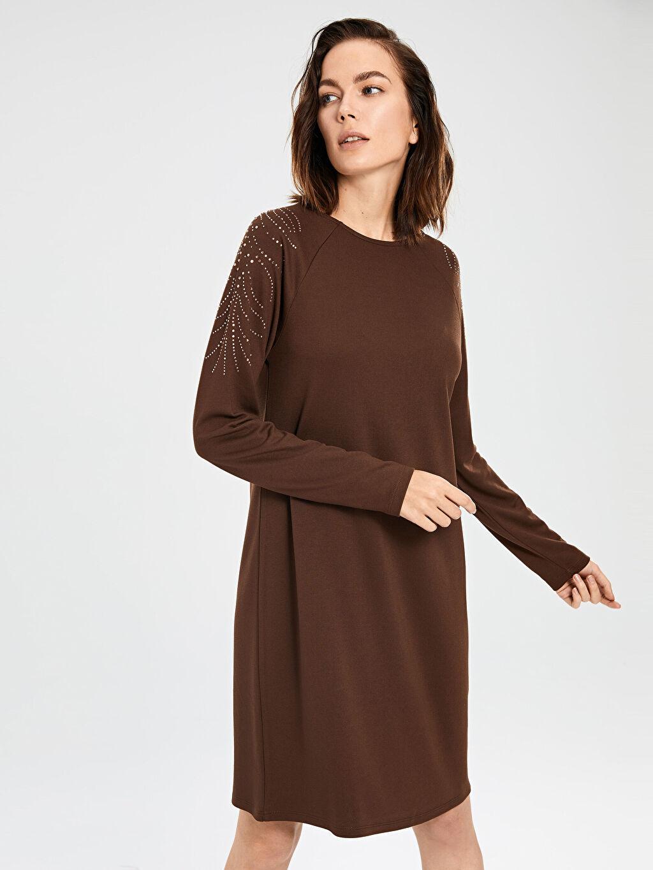 Kahverengi Omuzları Aplike Baskılı Esnek Elbise 9WO633Z8 LC Waikiki