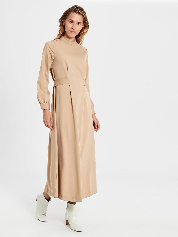Kadın Dik Yaka Kuşaklı Uzun Elbise