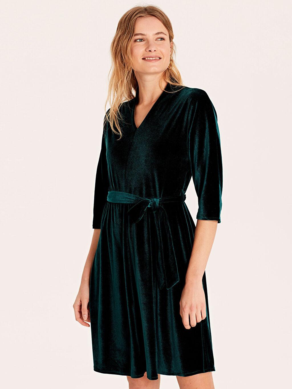 %90 Polyester %10 Elastan Düz Kısa Kol Kuşaklı Esnek Kadife Elbise