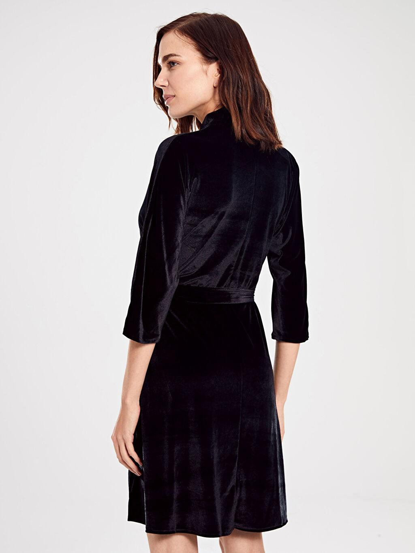 %90 Polyester %10 Elastan Kuşaklı Esnek Kadife Elbise