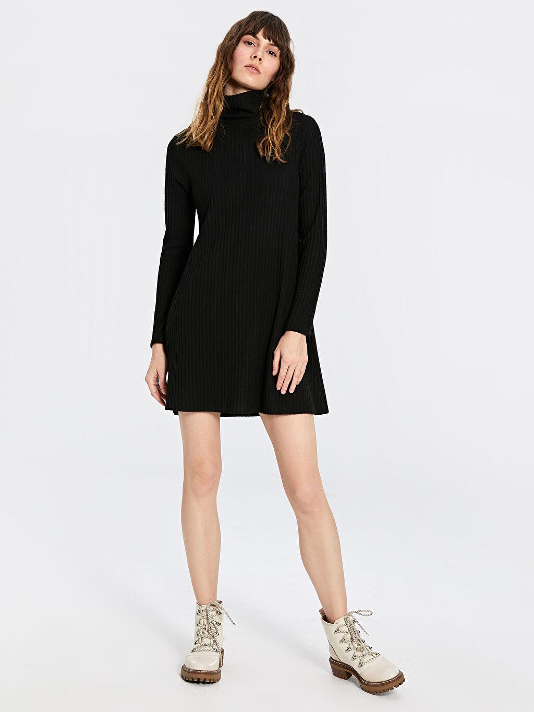 %68 Polyester %2 Elastan %30 Viskon Uzun Kol Diz Üstü Desenli Balıkçı Yaka Mini Elbise