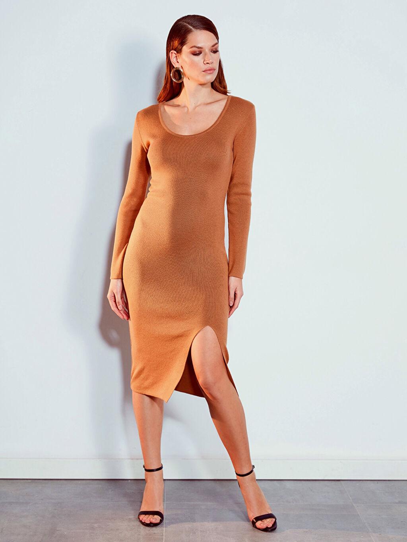 %49 Akrilik %51 Pamuk Diz Altı Düz Yırtmaç Detaylı Elbise