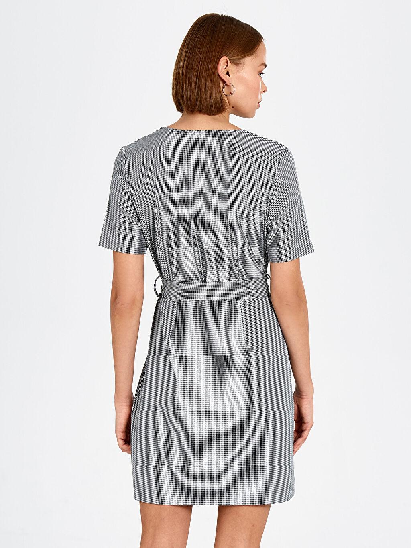 Kadın Kaz Ayağı Desenli Kuşaklı Elbise
