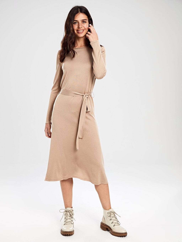 %49 Akrilik %51 Viskoz Düz Diz Altı Uzun Kol Kuşaklı Triko Elbise