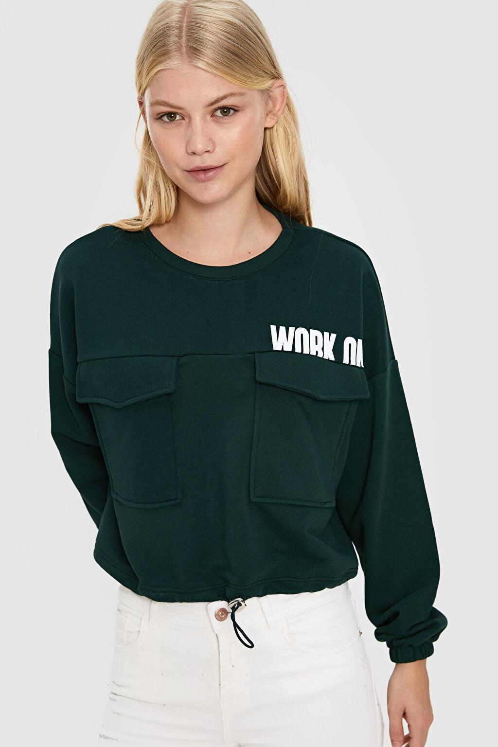 Quzu Yazı Baskılı Cep Detaylı Sweatshirt