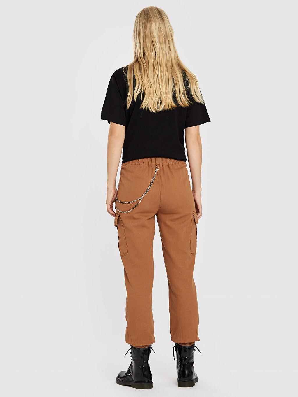 Kadın Quzu Zincir Detaylı Kargo Pantolon