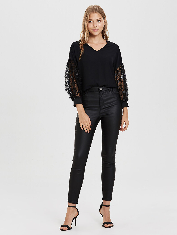 Kadın Sateen Kol Detaylı V Yaka Bluz