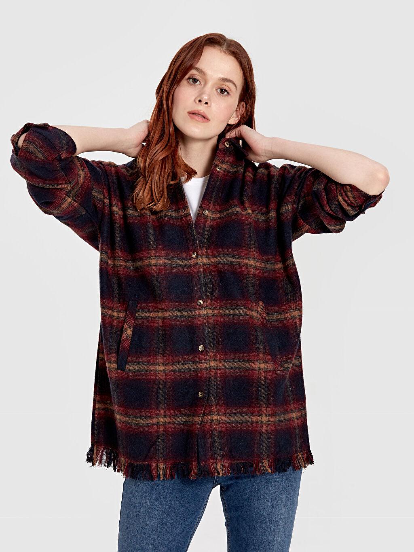 Kadın Quzu Püskül Detaylı Ekose Gömlek