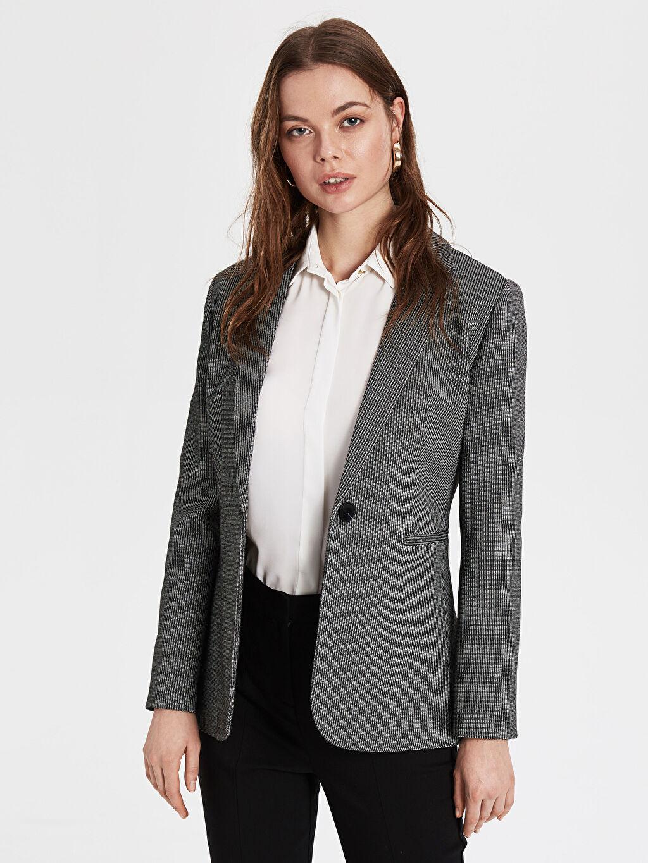 %51 Polyester %45 Viskoz %4 Elastan %100 Polyester Orta İnce Ceket Düz Blazer Ceket