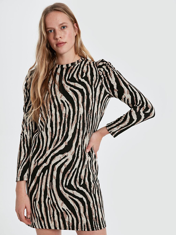 Diz Üstü Desenli Uzun Kol Quzu Zebra Desenli Elbise