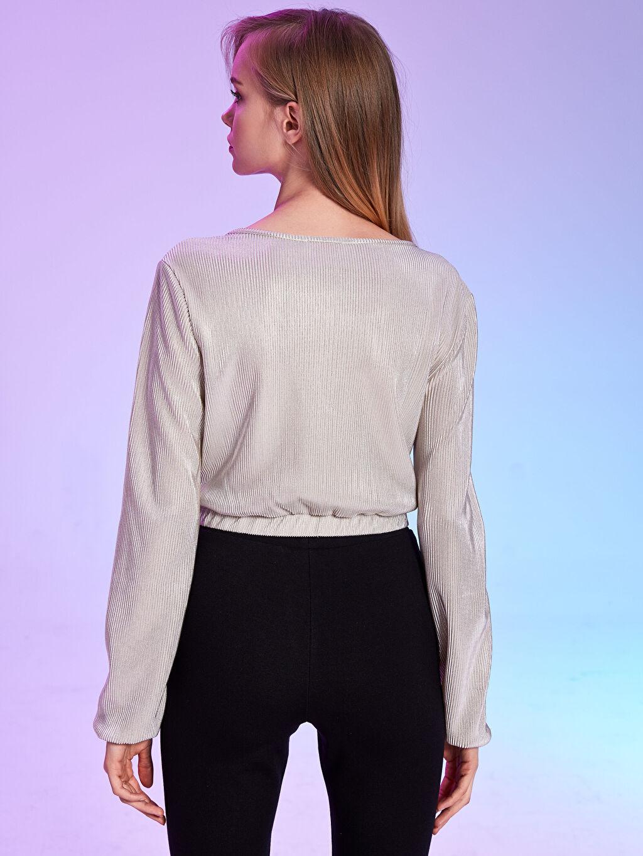 Kadın Rubyred Kruvaze Yaka Işıltılı Crop Tişört