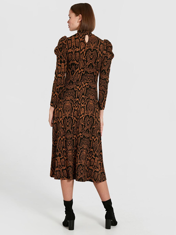 Kadın Quzu Yılan Derisi Desenli Kloş Elbise