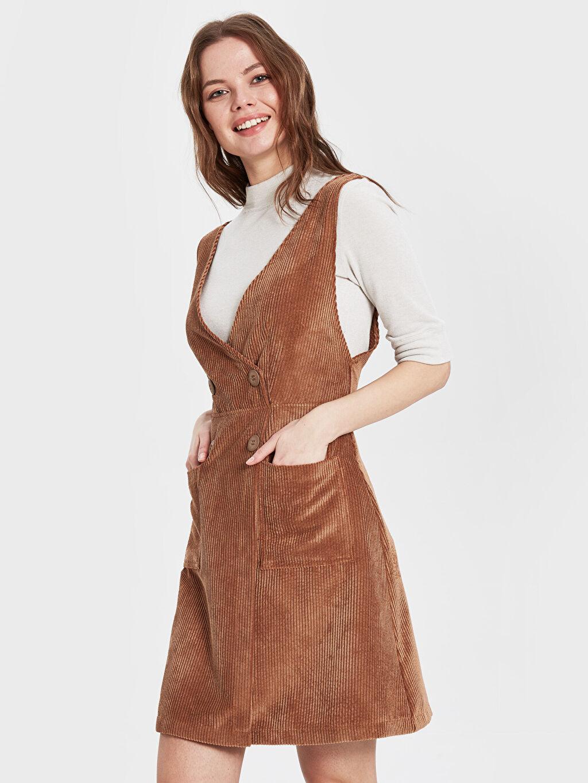 Diz Üstü Desenli Kolsuz Sateen Cep Detaylı Kadife Elbise