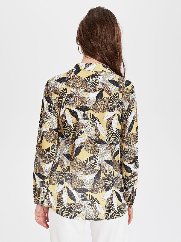 Kadın Sateen Yaprak Desenli Gömlek