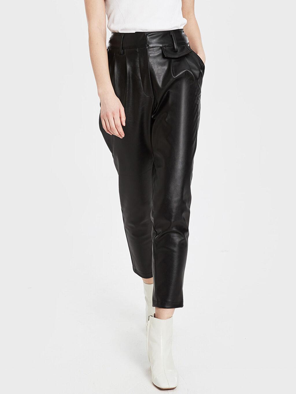 Yüksek Bel Kısa Paça Pantolon Sateen Deri Görünümlü Cep Detaylı Pantolon