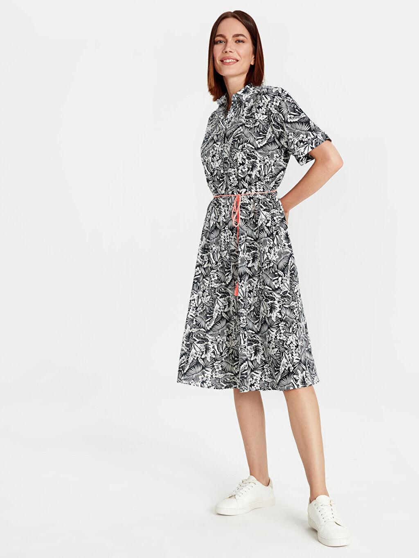 %100 Pamuk %100 Polyester Desenli Kısa Kol Çiçek Desenli Kemerli Pamuklu Elbise