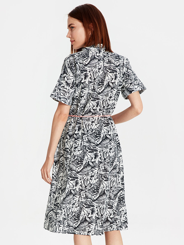 Kadın Çiçek Desenli Kemerli Pamuklu Elbise