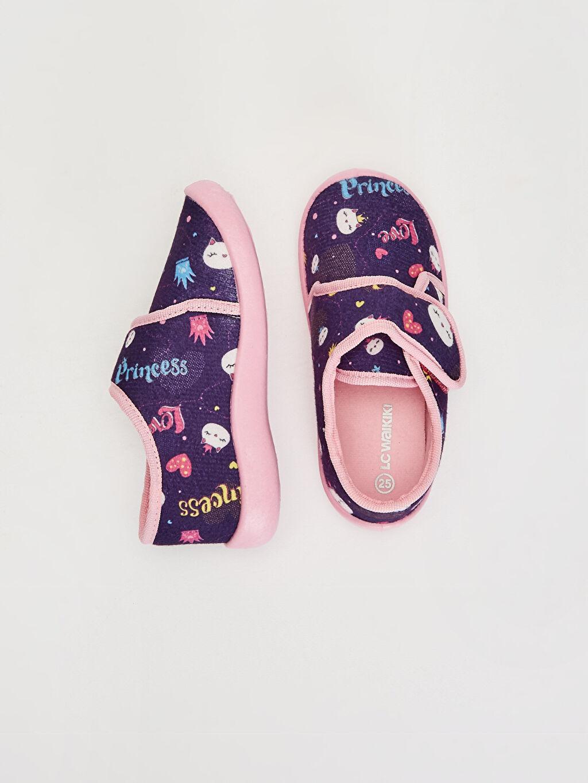 %0 Tekstil malzemeleri (%100 poliester)  Kız Çocuk Cırt Cırtlı Ev Ayakkabısı