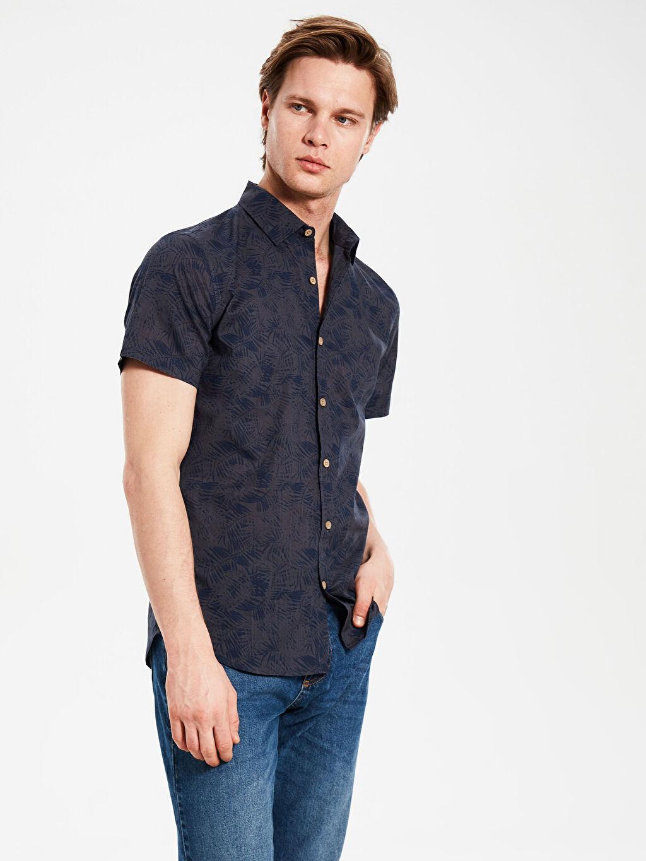 %100 Pamuk Desenli En Dar Kısa Kol Gömlek Düğmesiz Ekstra Slim Fit Desenli Kısa Kollu Gömlek