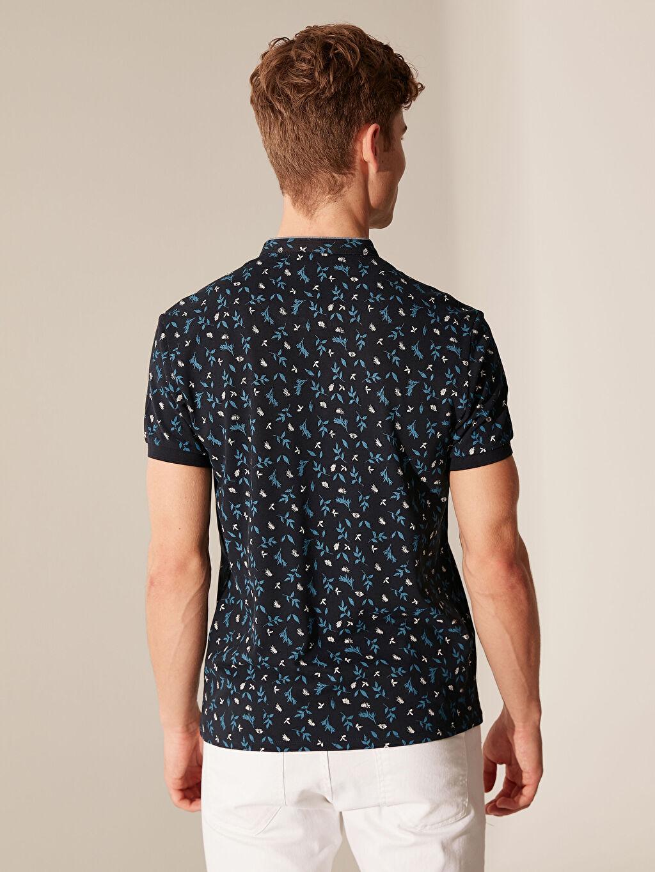 Erkek Düğmeli Yaka Desenli Tişört