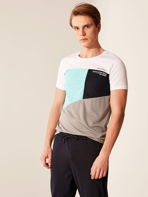 %100 Polyester Baskılı Standart Kısa Kol Tişört Bisiklet Yaka Renk Bloklu Aktif Spor Tişört
