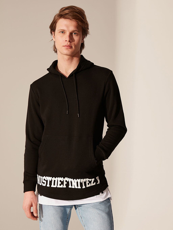 Siyah Kapüşonlu Baskılı Kalın Sweatshirt 0SD358Z8 LC Waikiki