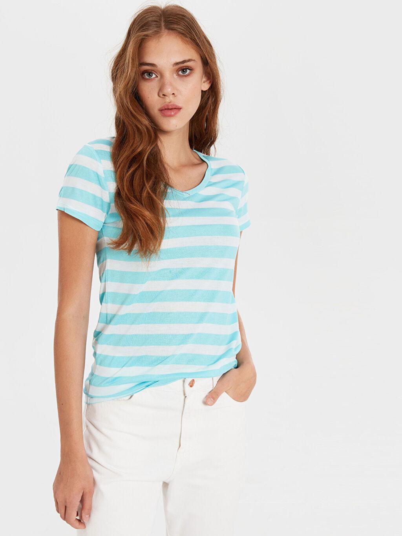 %45 Polyester %55 Viskon Standart Çizgili Kısa Kol Tişört V yaka Çizgili V Yaka Tişört