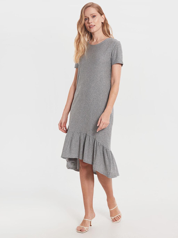 %35 Pamuk %32 Polyester %33 Viskoz Diz Altı Çizgili Kısa Kol Fırfır Detaylı Çizgili Elbise