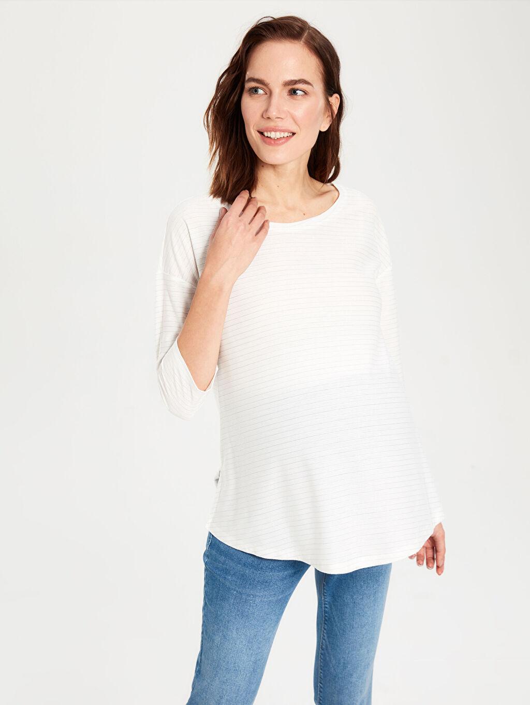 %65 Polyester %34 Viskoz %1 Metalik iplik Tişört, Body ve Atlet Işıltı Detaylı Çizgili Hamile Tişört
