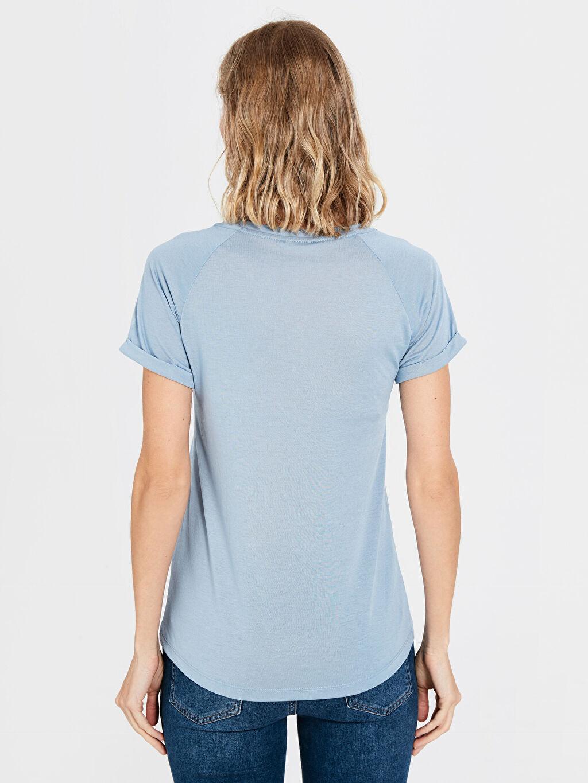 Kadın V Yaka Cepli Tişört