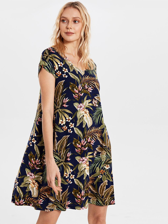 Lacivert Desenli Viskon Elbise 0S5162Z8 LC Waikiki
