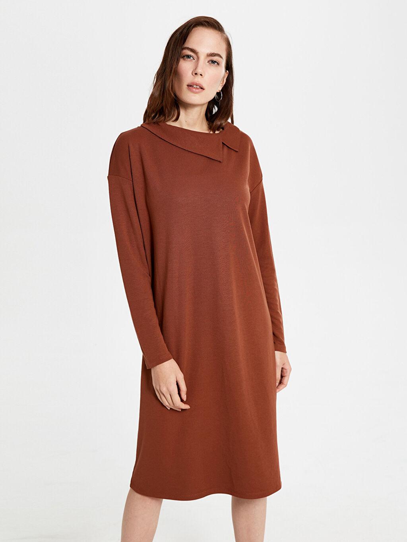 Kahverengi Yaka Detaylı Esnek Elbise 0S6894Z8 LC Waikiki