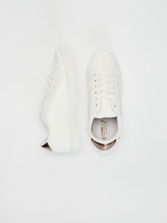 Diğer malzeme (poliüretan) Tekstil malzemeleri  Ayakkabı