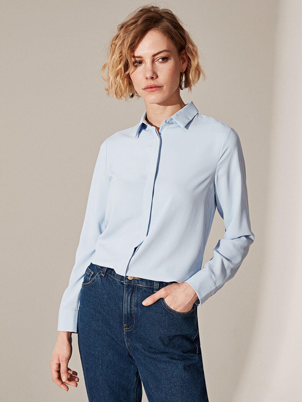 Mavi Düz Standart Fit Gömlek 0S9420Z8 LC Waikiki