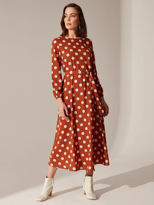 Kadın Puantiyeli Kuşaklı Elbise