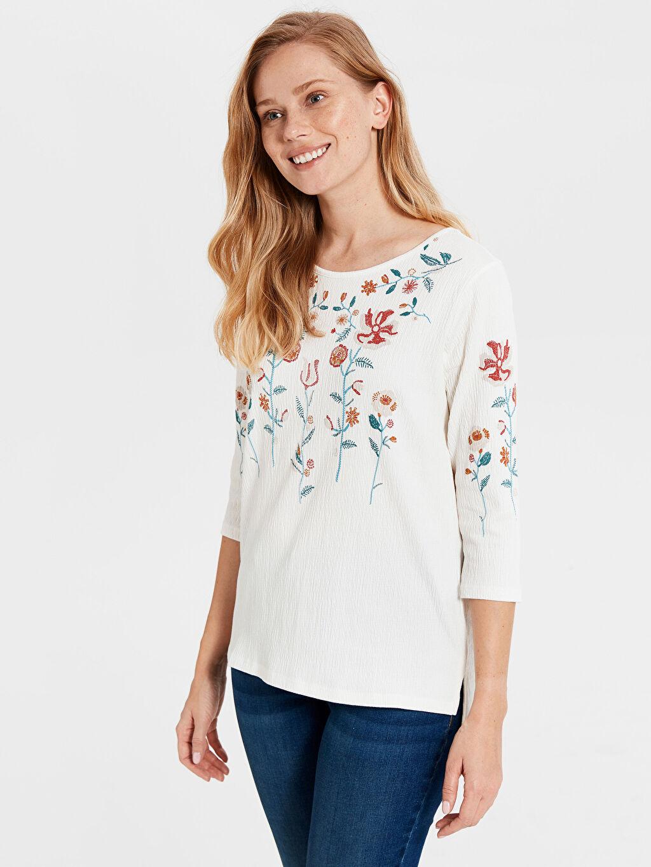 %96 Pamuk %3 Polyester %1 Elastan Standart İşleme Detaylı Pamuklu Tişört