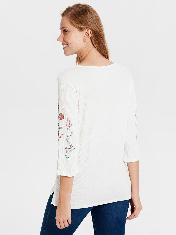 Kadın İşleme Detaylı Pamuklu Tişört