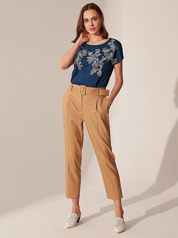 Kadın Çiçek Desenli Pamuklu Tişört