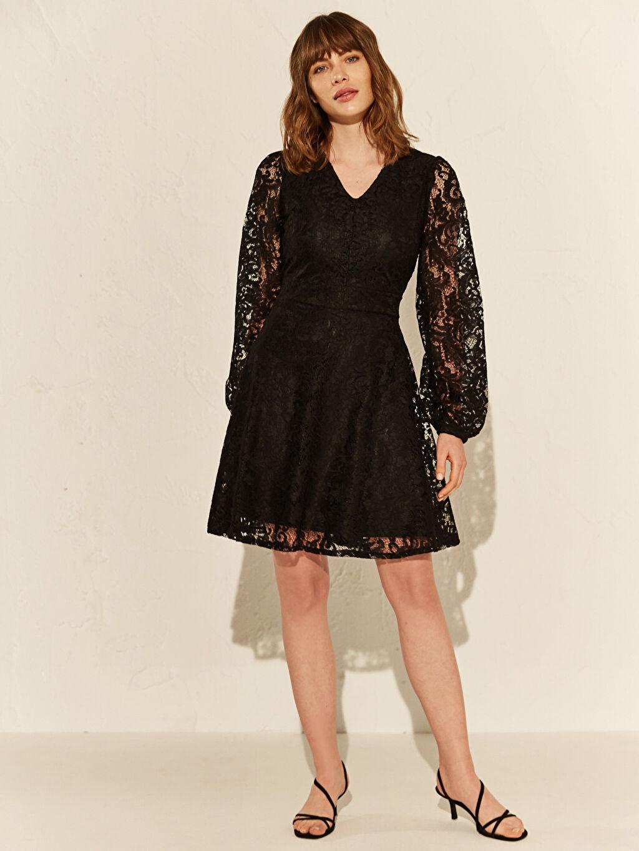 Kadın Dantel Detaylı V Yaka Elbise