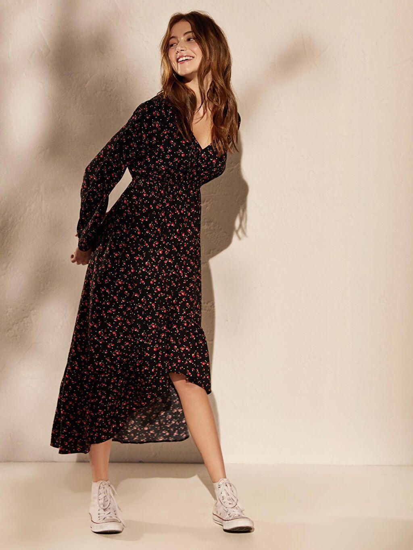 %100 Viskoz Diz Altı Uzun Kol Kruvaze Yaka Çiçek Desenli Asimetrik Elbise